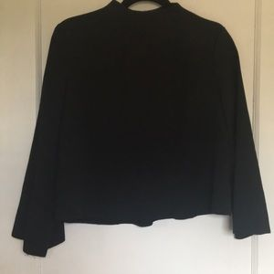 🔻EUC- Lulu's Mock Neck Bell Sleeve Blouse
